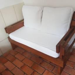 Jogo de sofá madeira maciça.