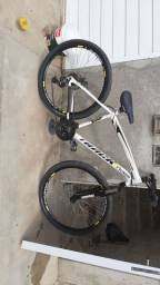 Bicicleta aro 29 track  toda boa 600R$  pode coloca preço