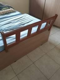 Vendo grade para cama de criança