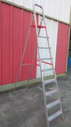 Escada Doméstica de  Alumínio de 9 degraus