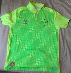 Lote com 2 camisas do Cruzeiro.