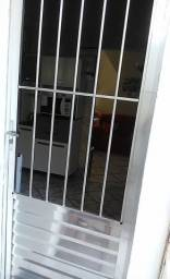 Porta de Alumínio com Grade Vidro Liso Sólida MGM 210cmx90cm