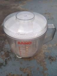 Espremedor de frutas Arno, 110volts, 70 watts, funcionando perfeitamente.