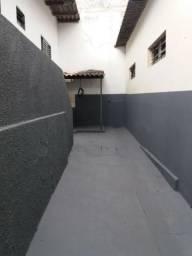 Barracao 2 quartos Leste Universitario
