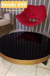 Poltrona e mesa de centro