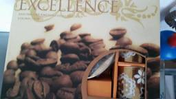 Jogo de xícaras café porcelana gold