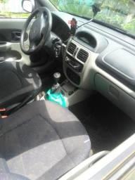 Clio sedan - 2003