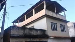 Vendo casa grande com varanda e Terraço
