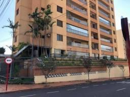Apartamento com 3 dormitórios para alugar, 198 m² por R$ 3.300/mês - Vila Santo Antônio -
