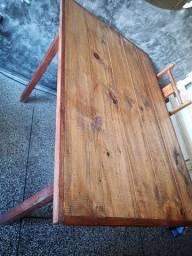 Mesa de madeira em otimo estado