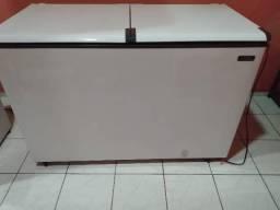 Vendo freezer semi-novo