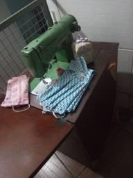 Maquina de Costura Completa