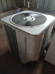 Ar condicionado 48000 BTUs Eletrolux