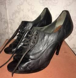 Sapato de Salto Schutz