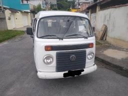 Kombi Volkswagen Branca 9 Lugares/2014