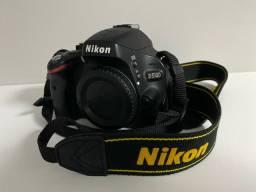 Máquina profissional Nikon D5100