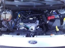 Ford Ka. 2015. Top muito conservado.