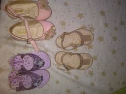 3 par de sapatos por R$10,00