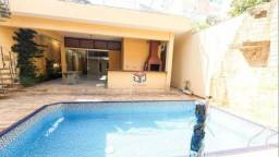 Linda Casa Assobradada, 4 quartos, 6 vagas - Bairro Campestre - Santo André