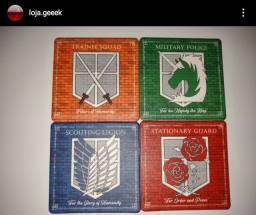 Kit de porta copos magnéticos Attack on Titans