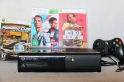 Xbox 360 (incluso manete e 3 jogos)