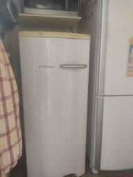 Freezer Eletrolux FE18