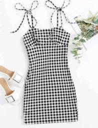 Vestido xadrez preto e branco