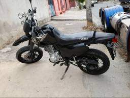 MOTO XT600
