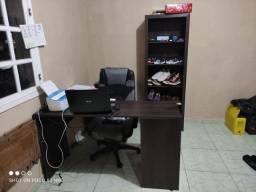 Escritório mesa armário cadeira