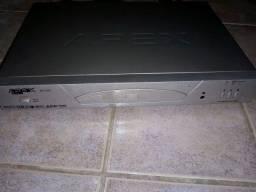 DVD novinho com controle!