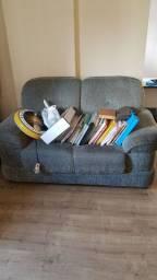 Sofa de 2 lugares em bom estado