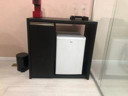 Aparador com espaço para frigobar