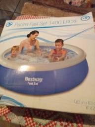 Vendo essa piscina