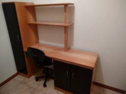 Escrivaninha para escritório com armários + cadeira