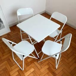 Mesa de bar com 4 cadeiras