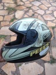 Vende - se capacete PEELS usado