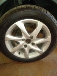 Vende se roda aro 15 com dois pneu novo mais e remolde e dois bom.  *