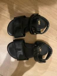 Sandália básica Bibi preta couro menina