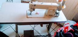 Maquina costura reta