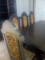Vendo conjunto de mesa e Oratório