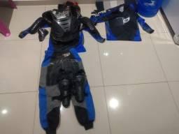Equipamentos de motocross infantil