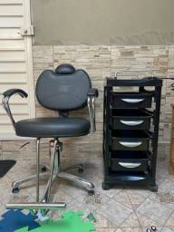 Cadeira de cabeleireiro e carrinho auxiliar