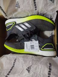 Título do anúncio: Tênis Adidas ultraboost Original,com nota fiscal (Centauro)