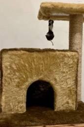Arranhador para gato com casinha