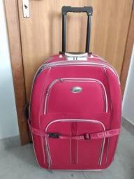 Vendo mala de rodinha grande em ótimo estado
