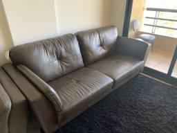 Vendo sofá novíssimo 4 meses de uso