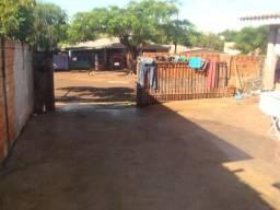 Oportunidade: 2 Casas no mesmo terreno de 366 m² no Santa Felicidade