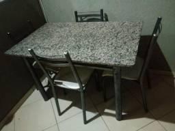 Mesa de Marmore c/ cadeiras, parcelo no cartao