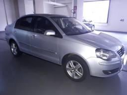 Polo Sedan 1.6 - Confortline - I-Motion - Automatico - 4 Portas - Inteiro - 2011