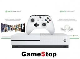 Xbox One S 4k HD.R HD 1 Tera c/100 jogos e 03 meses Live GamePass ( 01 Ano Garantia)